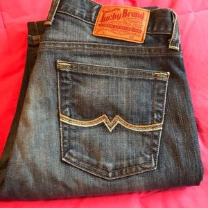 "Lucky Brand ""Sweet N' Low"" Jeans w/ Distress 10/30"